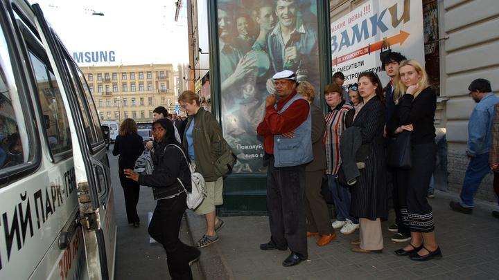 Маршрутчики делят Петербург: Новые автобусные торги могут войти в историю