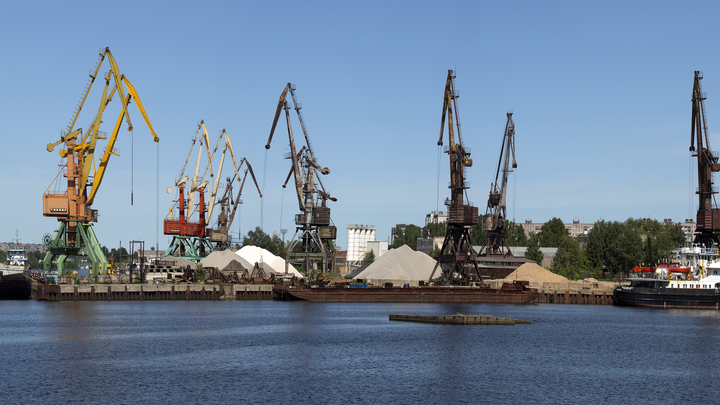 Порт Новороссийска выплатил 44,5 млн рублей за загрязнение акватории Черного моря