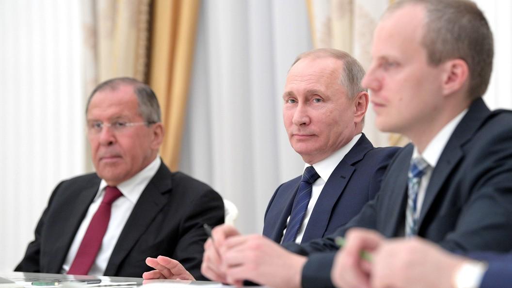 Путин Лаврову: Вы где работаете, в МИД или разведке