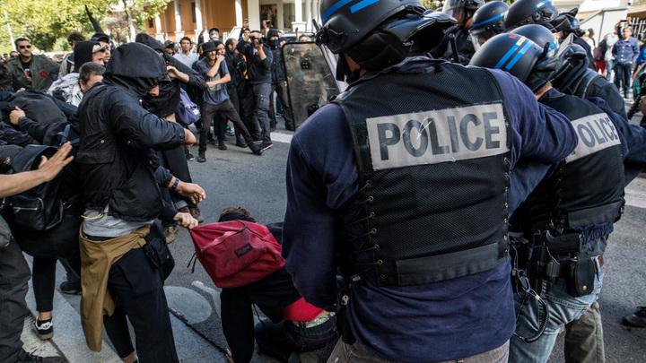 Мужчина с ножом набросился на прохожих в Тулузе