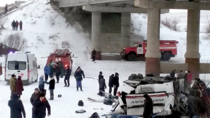 Прыгали прямо на ходу: Почему в России в авариях с автобусами погибает столько людей