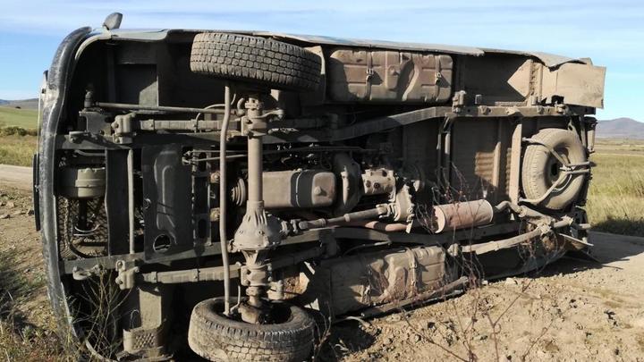 Под Алек-Заводом погибла пассажирка УАЗа, который перевернулся на трассе
