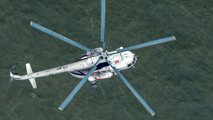 В Свердловской области за долги по зарплате у завода забрали вертолет