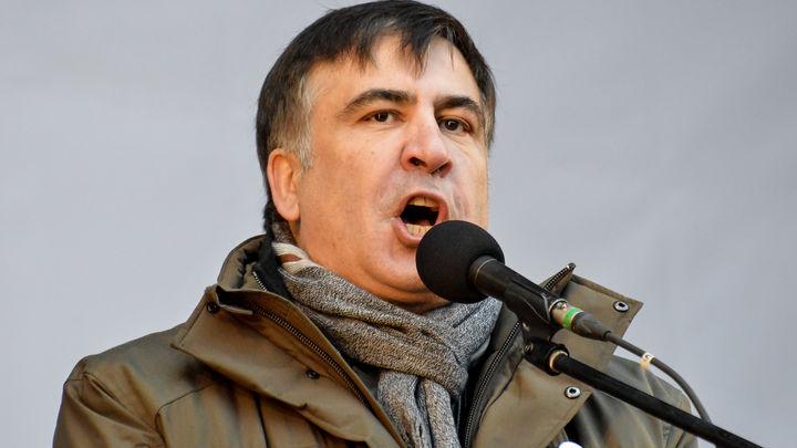 Саакашвилина заседании суда потребовал присвоить себе статус военнопленного