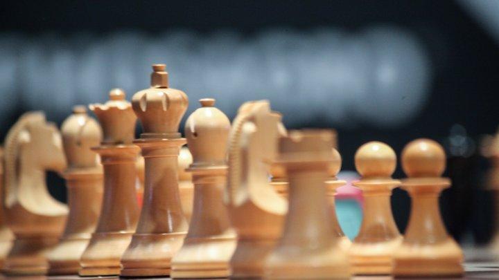 Шах и мат: Как мальчишка из Подмосковья обыграл весь мир. Пока в юношеском турнире