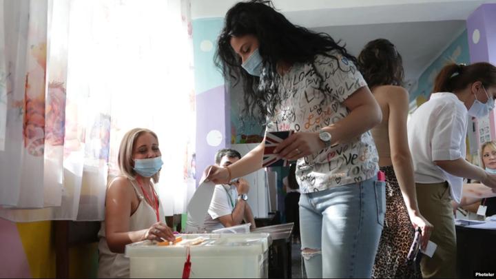 Явка избирателей в Армении опережает показатели предыдущих выборов