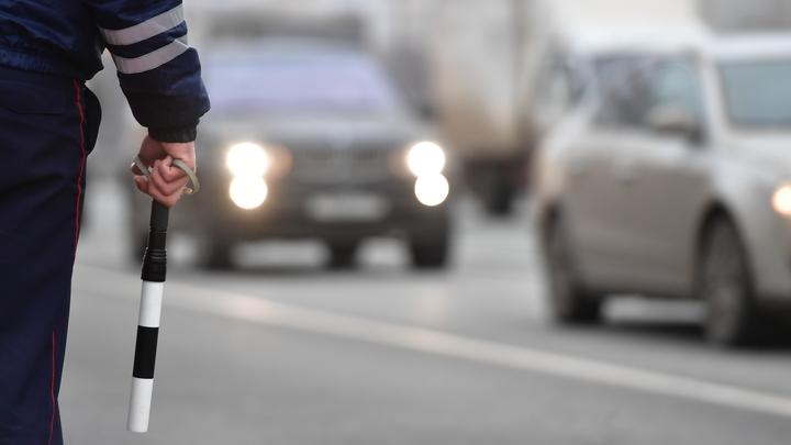 Двое пьяных гонщиков напали на полицейских в Петербурге