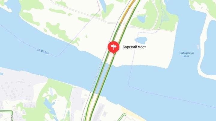 На Борском мосту при въезде в Нижний Новгород образовались многокилометровые пробки