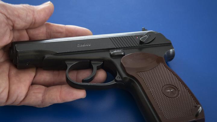 Травматический пистолет подкинули в чужую машину после стрельбы в Нижнем Новгороде
