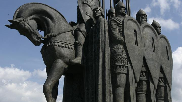 Памятник Александру Невскому в Пскове: открытие и как добраться