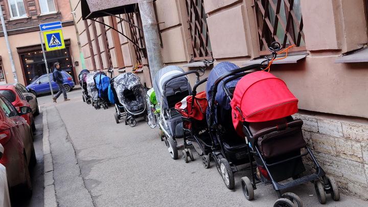Каждый пятый ребенок во Владимирской области рождается вне брака
