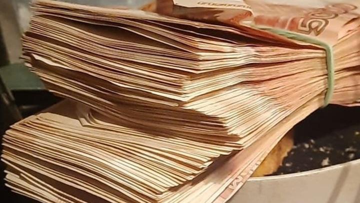 В Ростовской области начислят премии чиновникам за успехи в работе