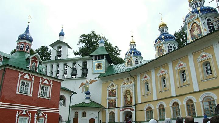 Монастыри Пскова: сколько их и как добраться до самых жемчужин христианского мира