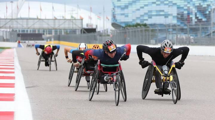 Вместо болидов коляски: На трассе «Формулы-1» в Сочи пройдет полумарафон на спортивных колясках