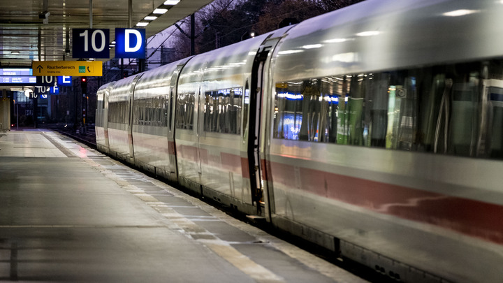 Два поезда метро врезались друг в друга в Германии, есть пострадавшие