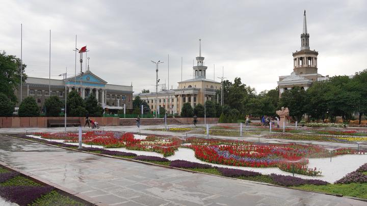 Киргизы с русским языком - как привязанная собака. Россию снова пытаются отдалить от Киргизии