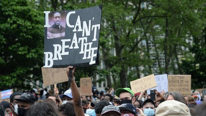 Перед ними на колени? Голованова возмутило видео убийства онкобольного протестующими в США