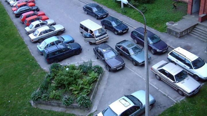 Новосибирск занял второе место в России по качеству парковок во дворах