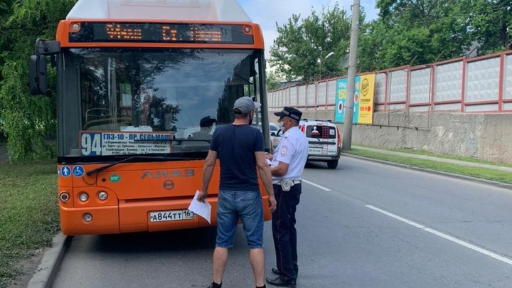 В Ростове столкнулись автобус и самосвал