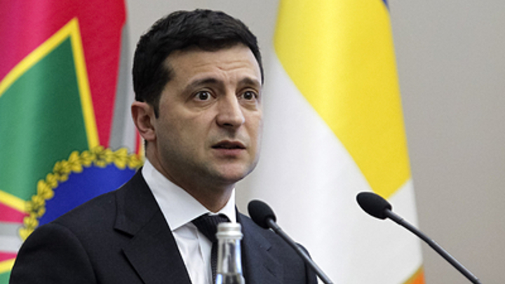 Главный украинский провокатор неожиданно вернул России Крым и Донбасс непечатным советом Зеленскому