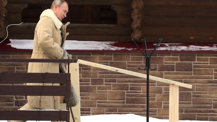 Окунувшийся в иордань Путин обратился к купавшимся на Крещение: Первый вопрос