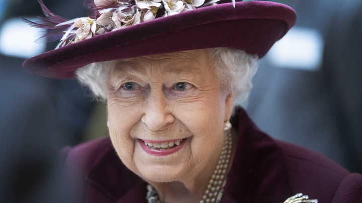 Церемония краткая, но салют будет: Британская королева готовится к дню рождения во второй раз за год