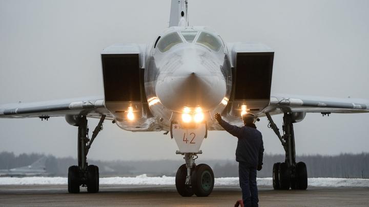 «Умеренные» заметили российский военный самолет в небе над Хамой - видео