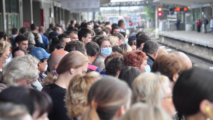 В Сочи из-за стихии задержаны поезда и самолеты
