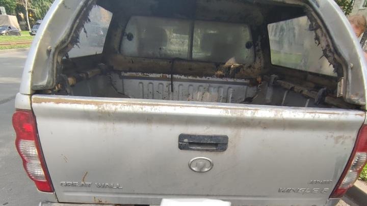 В Самаре женщина тащила труп задушенной собаки на бампере автомобиля