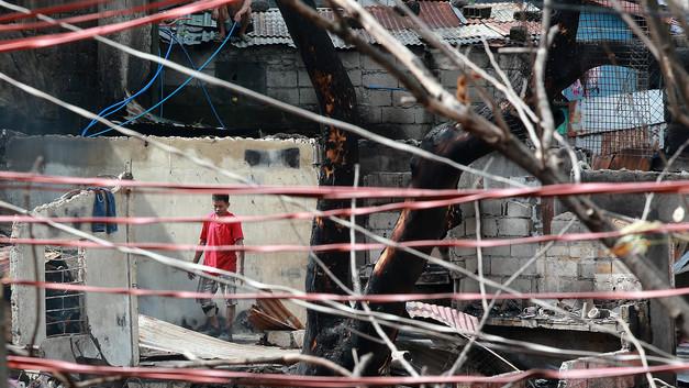 Десятки человек стали жертвами огненной ловушки на Филиппинах