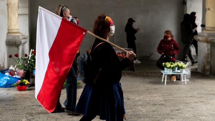 Введите санкции против Польши - в ЕС даже не заступятся: Эксперт о разменной роли Варшавы