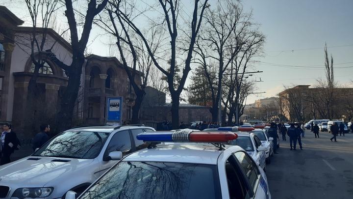 Армянских журналистов не пустили на церемонию в память о погибших в Карабахе