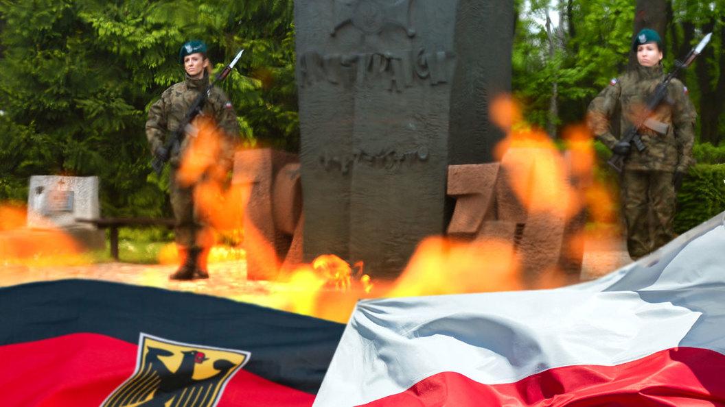 Польша объявила себя жертвой и требует от Германии денег