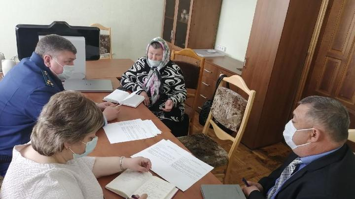 В Сызранском районе прокурор встретился с инвалидами и ветеранами