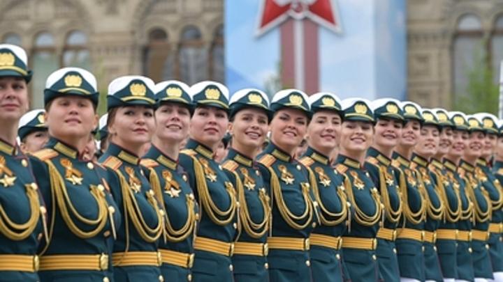 Армейские порядки и образец женского поведения: Как у Шойгу растят поколение, о котором мы мечтали