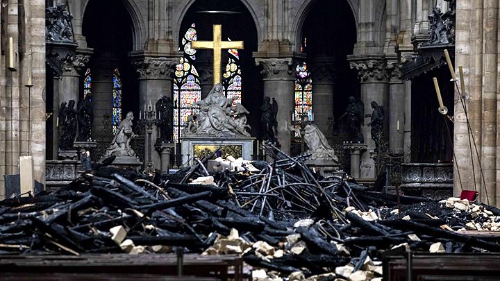 Своих церквей мало: Россия предложила Франции помощь отечественных реставраторов