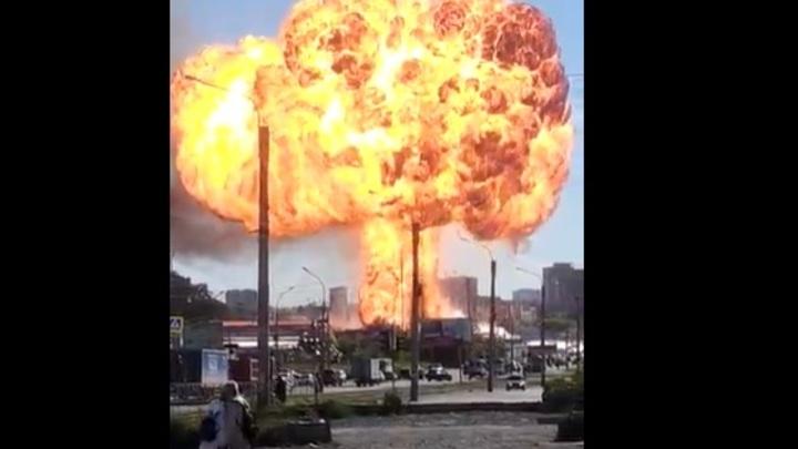 В Новосибирске возле АГЗС произошёл мощный взрыв