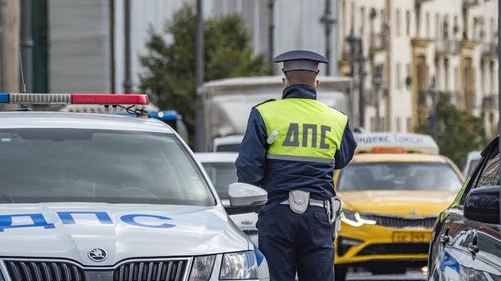 В Петербурге задержали парня на BMW за дымный дрифт у Исаакия