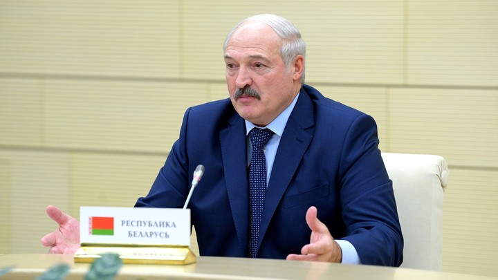 Самолёт Лукашенко за 2 млн долларов разрезали и отправили в музей