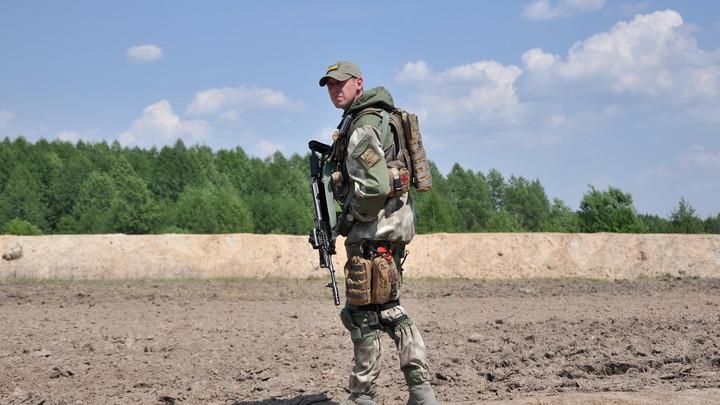 Украинские каратели выгоняют жителей захваченных сел из своих домов