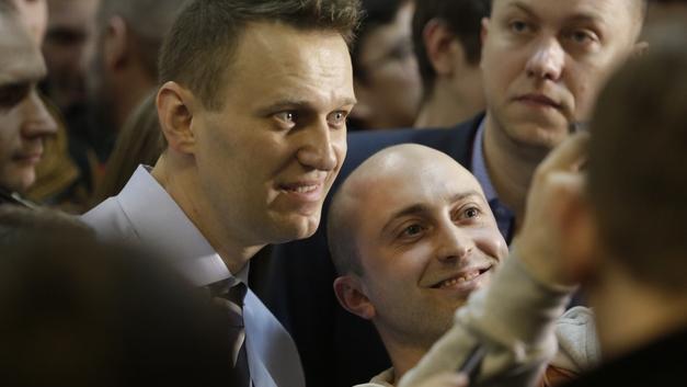 Ты мне не ровня: Навальный показал на митинге, чем отличается от «простого русского оппозиционера»