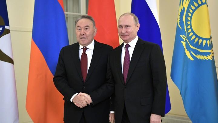 Назарбаев обсуждал с Путиным свой уход с поста президента Казахстана - пресс-служба