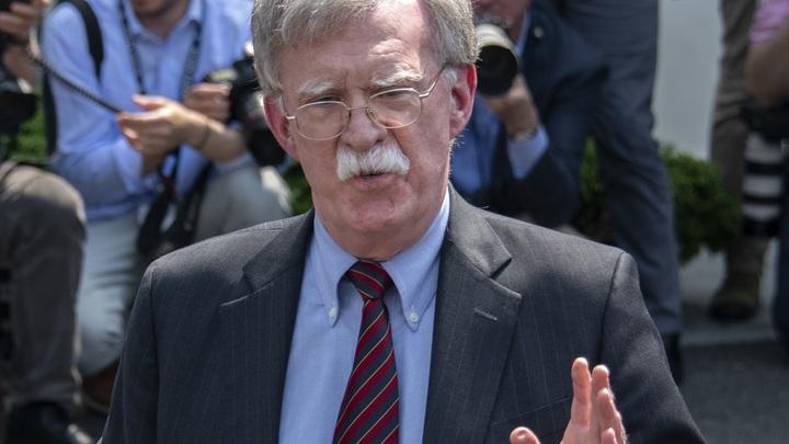 Сеют слухи: Боевой ястреб США назвал пятерку стран-сплетников