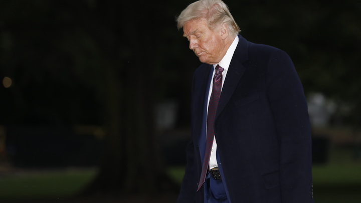 Трампу хуже? Журналисты узнали о новых симптомах у президента США