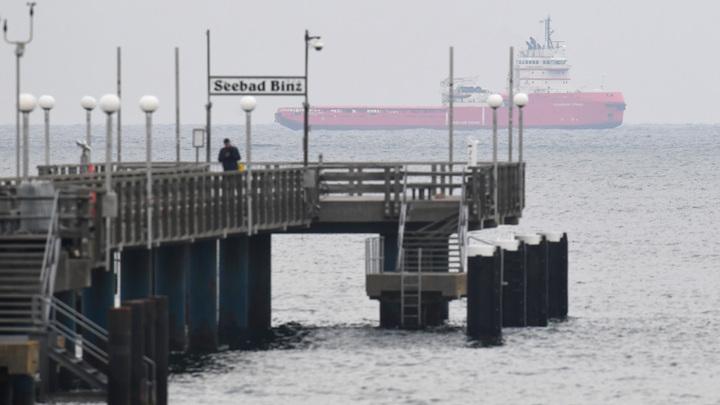 Санкции не помогли? Укладка труб Северного потока - 2 на морском участке в Германии завершена