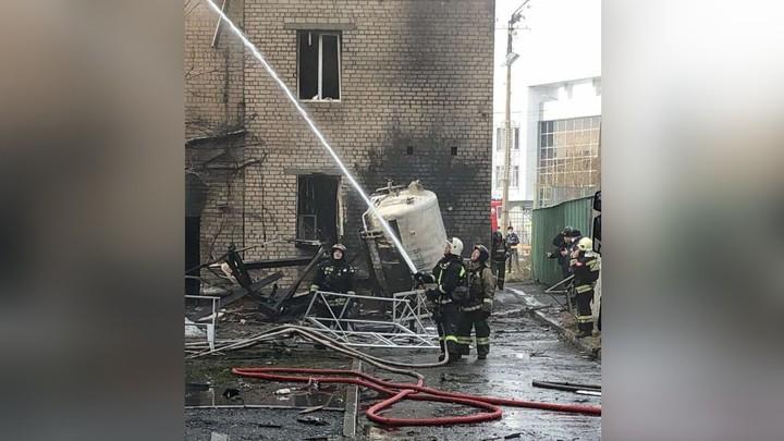 На место пожара в студенческой больнице ЮУрГУ в Челябинске прибыли 15 скорых