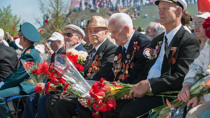 Никогда не забудем: Политики поздравили ветеранов с Днем Победы
