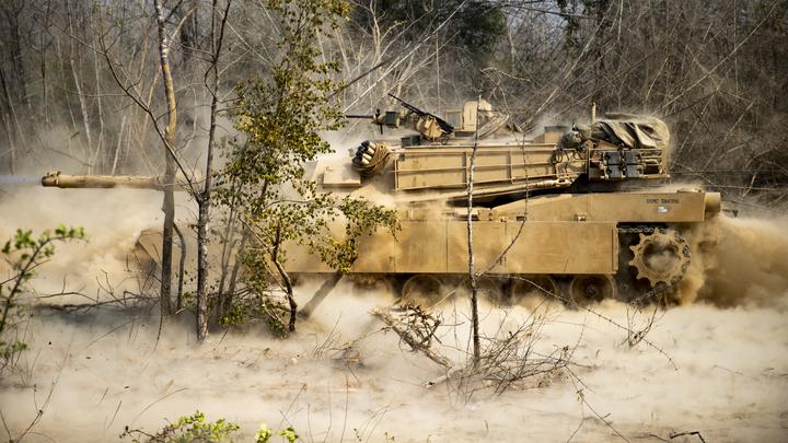 Трамп заявил, что американские танки М-1 Abrams сильнее российских и китайских конкурентов