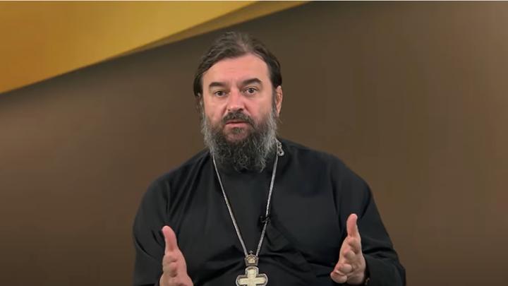 Позиция Москвы вызывает недоумение: Отец Андрей Ткачёв об уравниловке храмов с супермаркетами
