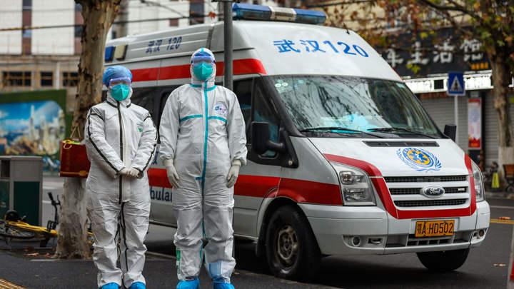Защитной маски мало: Врачи обновили способы передачи коронавируса, а к борьбе подключился Противочумной институт